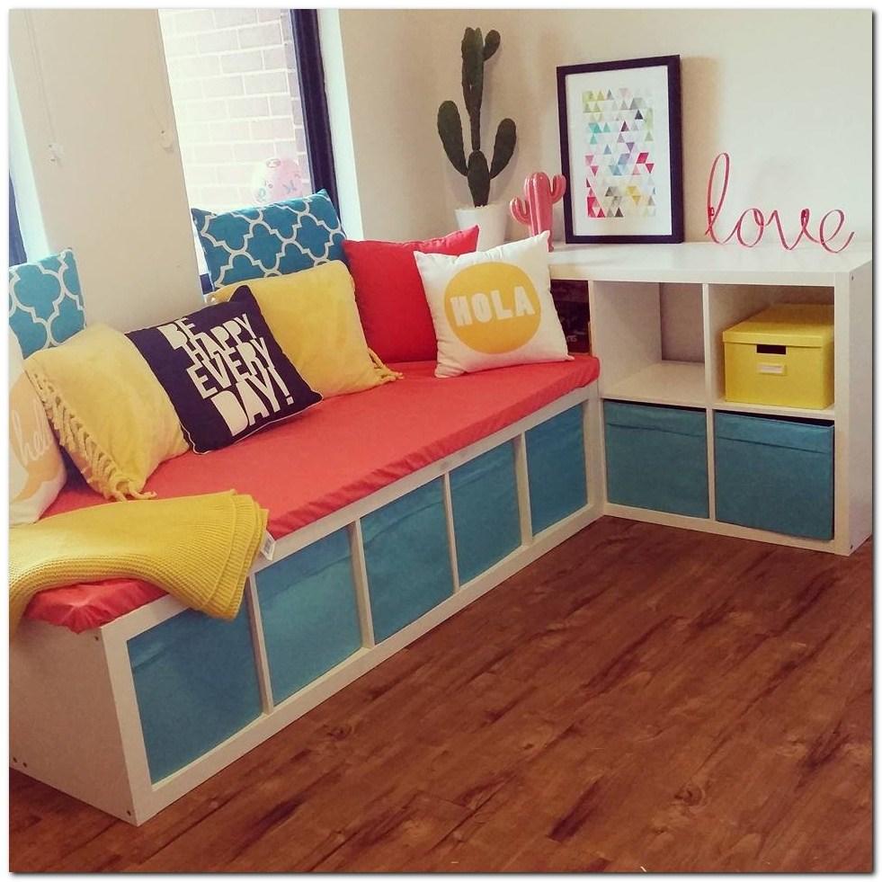 Цветная кроватка