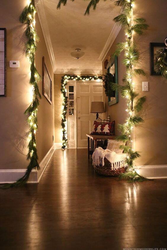 Новогодние украшения на двери