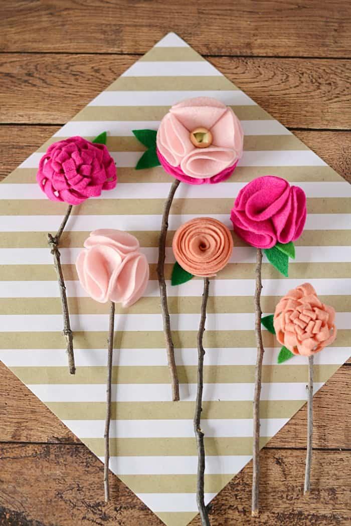 Цветы из фетра на 8 марта